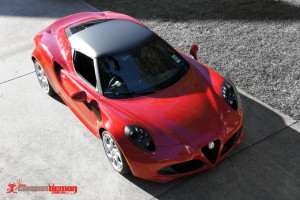 Alfa 4C with matte black roof wrap